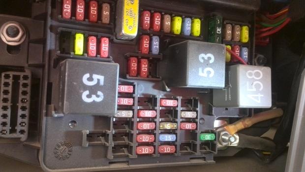 2012款捷达伙伴保险盒点烟器保险丝编号是多少?或者在下图中的位置?