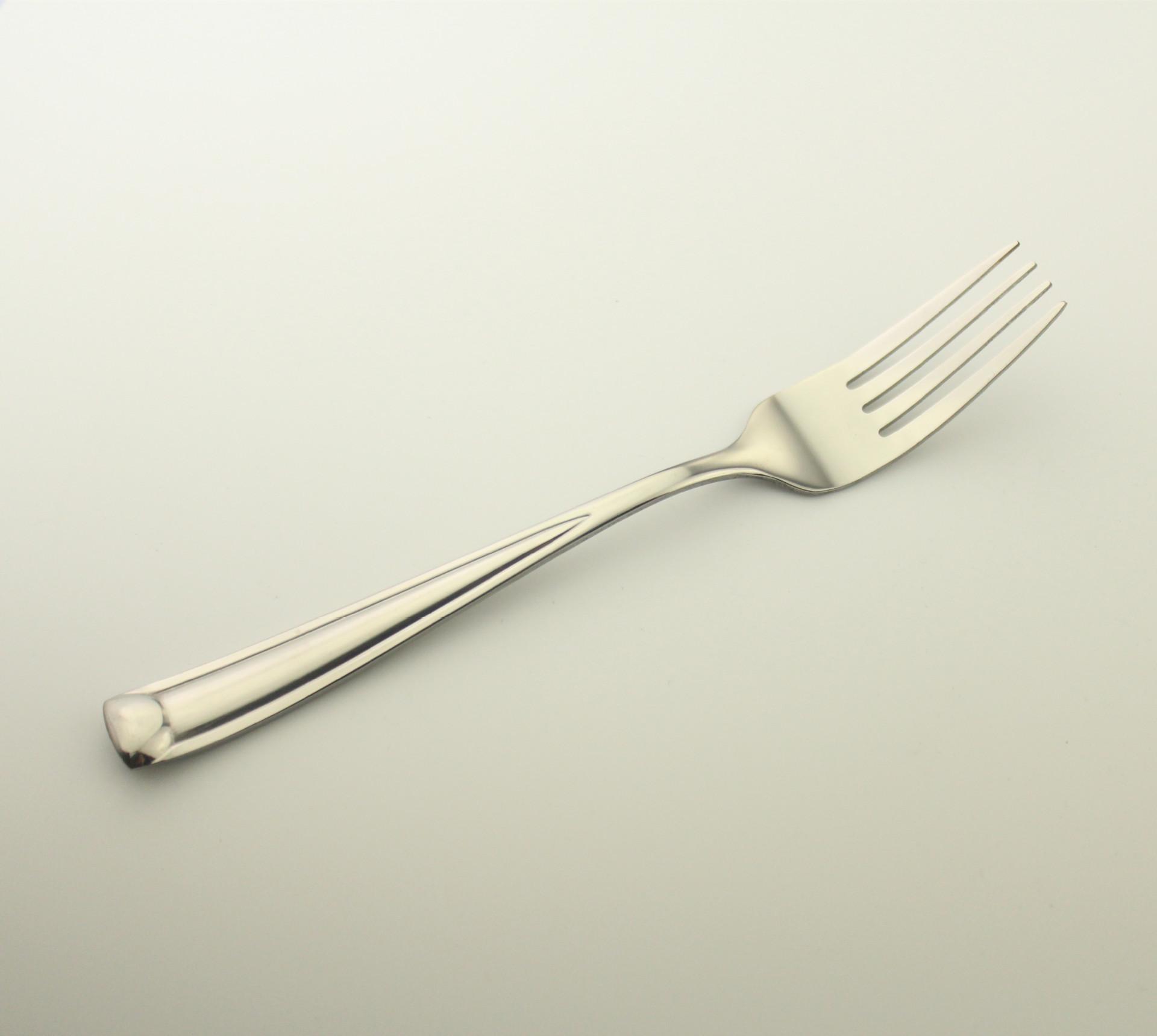 叉子扭曲的简笔画