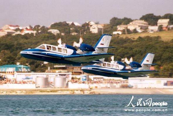研制生产的水陆两用飞机,其中前者负责该型机的结构设计和鉴定试飞
