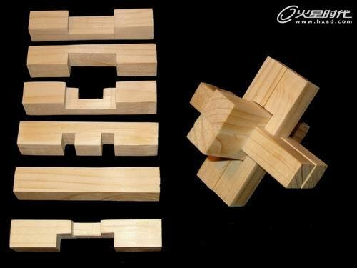 榫卯结构应用于房屋建筑后,虽然每个构件都比较单薄,但是它整体上却能