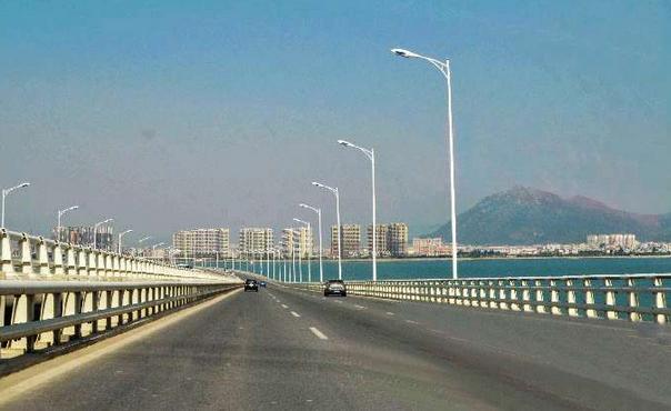 集美大桥的建成通车,对破解厦门进出岛拥堵问题,对加快集美,同安,翔安