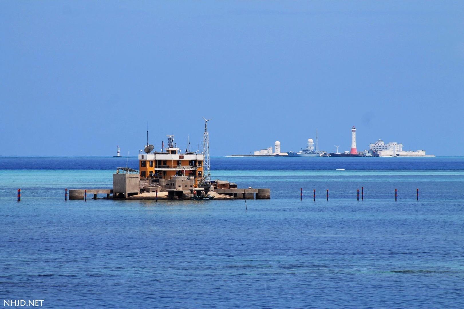 中国在南海岛礁建5座大型灯塔