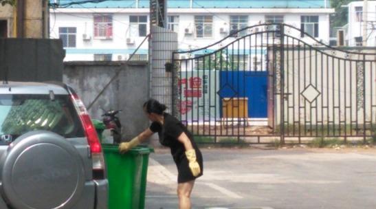 洗垃圾桶提升创卫